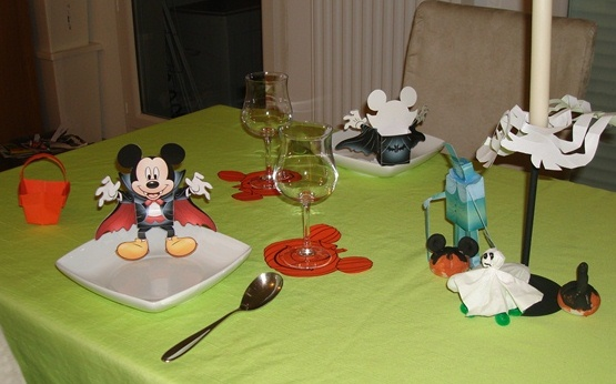D co table halloween 2011 - Maison de mickey halloween ...